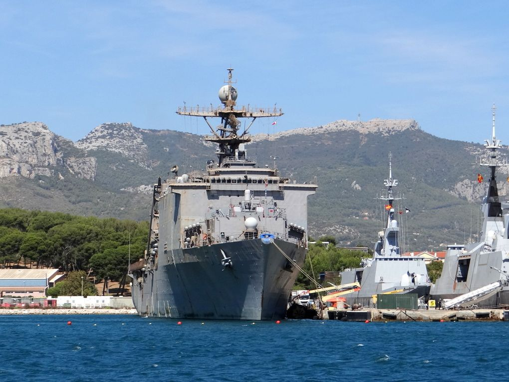 CARTER HALL   LSD 50, batiment de débarquement de la marine américaine à quai à Toulon le 07septembre 2017