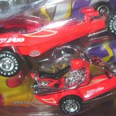 CHERRY BOMB TOM DANIEL IRON LEGENDS TOY ZONE 1/43 - car-collector.net