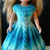 """TUTO TRICOT en français : """"Spirit of Turquoise"""". Robe à torsades et ses ballerines pour poupée Nancy (42 cm)."""