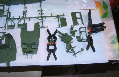 BELL UH - 1H GUNSHIP AU 1/32