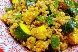 Sarrasin grillé (kasha) aux courgettes et curcuma, menthe et citron confit