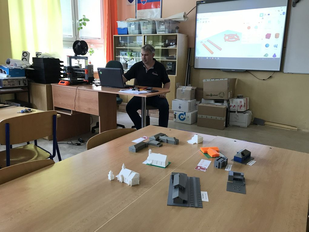 SMSL19 Creation 3D Printer