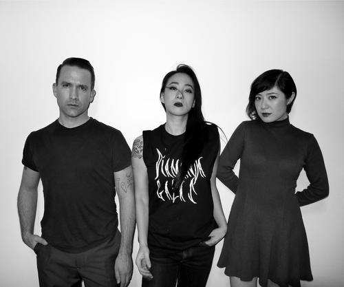 xiu xiu, groupe de rock expérimental basé autour de jamie stewart