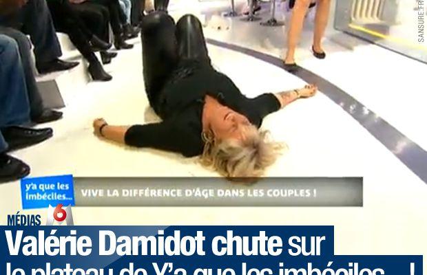 Valérie Damidot chute sur le plateau de Y'a que les imbéciles… ! #YAQLI