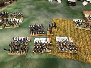 Les premières troupes Françaises arrivent sur l'artillerie de la coalition ! et la brigade explose sous les coups des tirs de mitraille et ..part en retraite !