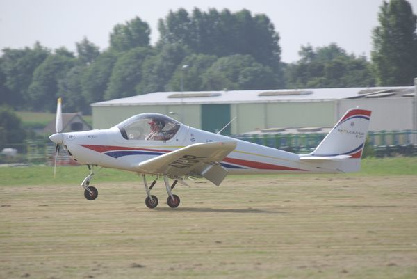 Skyleader 200 concurrents 62 et 104. (diapo 2 photos)