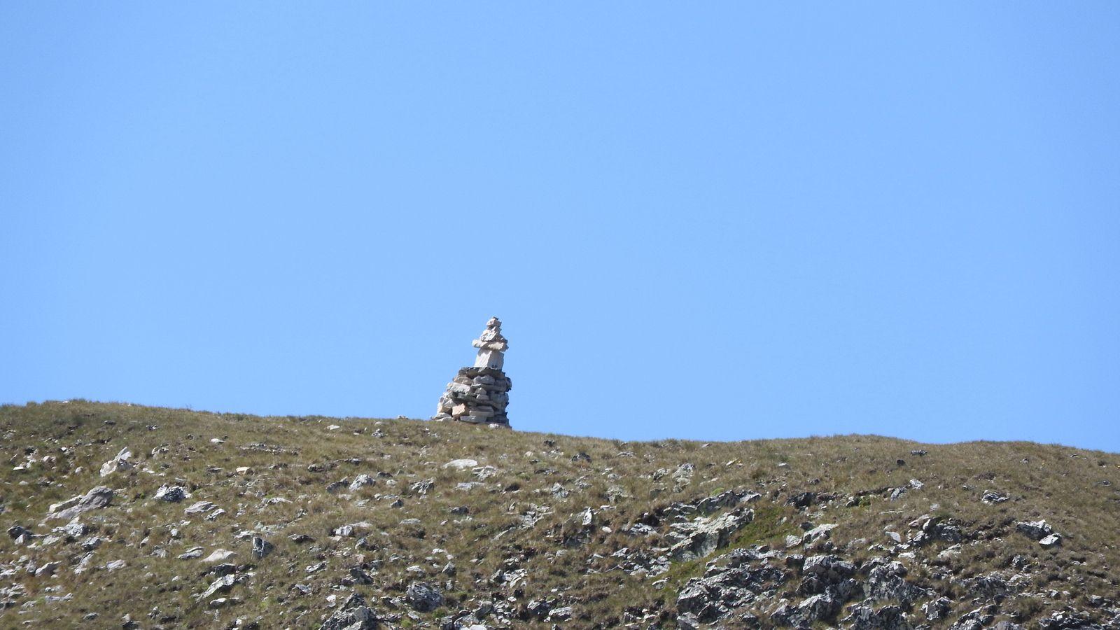 Vues sur le Grand Châtelard et son cairn sommital