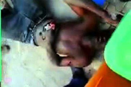 Libye - Les rebelles lynchent les Nègres comme des Yankees ! - Voici comment le CNT de Sarkozy aiment les Noir (3)