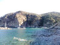4 ème Avant la plage de Castells, une plage de nudistes et une eau turquoise