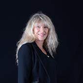 Salon du livre de Vierzon : Catherine Giraud au 36 quai des Orfèvres avec Infiltrée - Vierzonitude