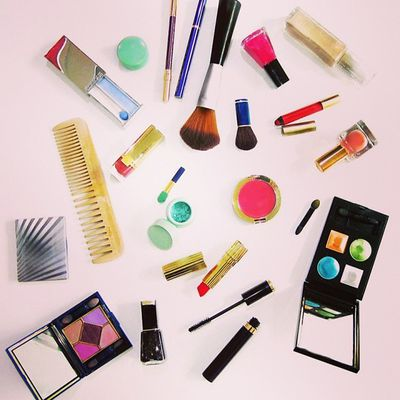 10 Essential Makeup Must-Haves  Most women have the same exact problem: a cosmetic bag that's overflowing, but no clue exactly what to do with all the products. That's when it's time to take a back-to-basics approach: These 10 products are all you need for a flawless face and our makeup application tips will help you get the look just right.   -A No-Show Foundation -A Super Concealer -A Natural Blush -A Great Eyelash Curler -Clump-Free Mascara -A Glide-On Eyeliner -An Allover Highlighter -The Perfect Nude Lipstick -A Basic, Flattering Eyeshadow -A Good Brush Set