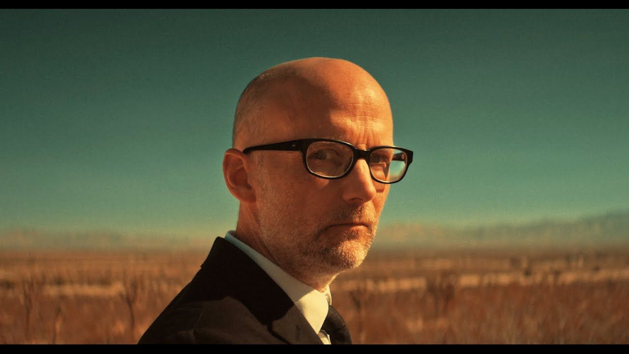 Moby repense admirablement son « Natural Blues » !