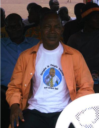 Le dimanche 04 Septembre 3011  Les ivoiriens sont sortis nombreux avec tee-shirt, des foulards à l'effigie du président Gbagbo, bravant la peur