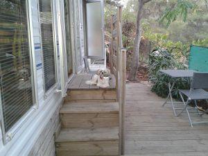L'entrée du bungalow et la terrasse !!
