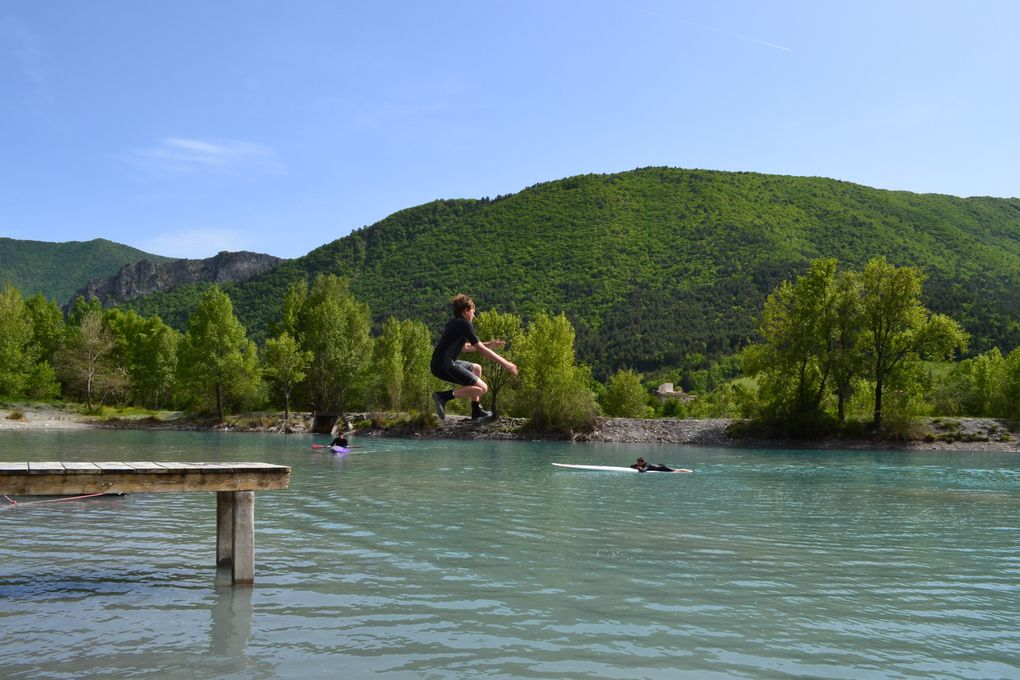 Ascension 2012 à Entrevaux , haut pays niçois . Petite troupe de 24 en soif d'aventures...