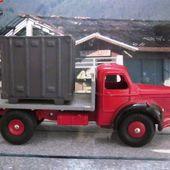 CAMION BERLIET GLR PLATEAU CONTAINER DINKY TOYS PAR MECCANO 1/43 - car-collector.net