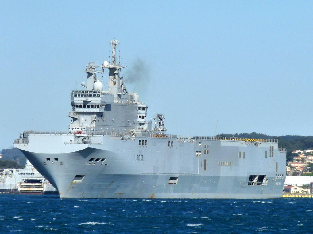 MISTRAL  L 9013, Porte Helicoptères Amphibie (PHA) appareillant de Toulon le 25 avril 2016