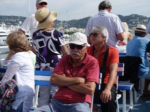 Il est bientôt midi, nous voici sur le bateau