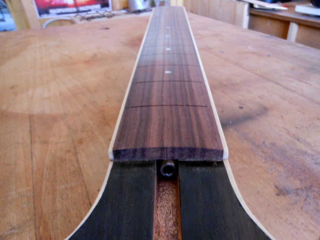Réalisation d'un manche type Gibson, sur mesure, pour une guitare Vantage.