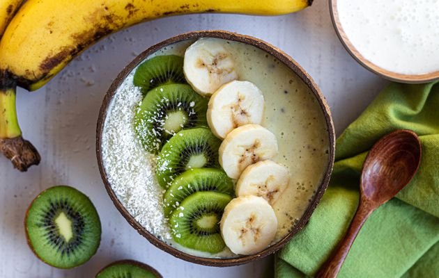 Smoothie bowl au kiwi, banane et lait ribot