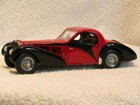 La Bugatti 57SC 1936 Coupé Atalante fut produit à seulement 41 exemplaires - Ici, en modèle réduit au 1/24e de FRANKLIN MINT PRECISION MODELS. (En cliquanrt sur la pemière photo en haut à gauche, vous pouvez, les faisant défiler, voir chacune de ce groupe de 6,en plus grand format).