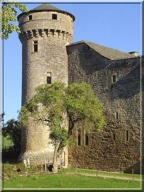 Diaporama des 2 châteaux à Bertholène
