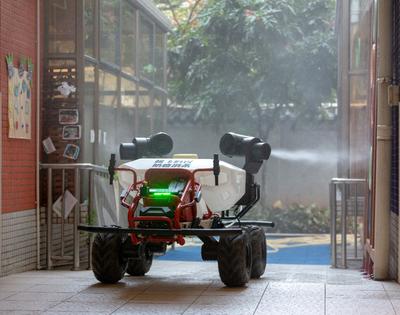 Les robots et les drones pendant le confinement de l'épidémie du Coronavirus Covid-19