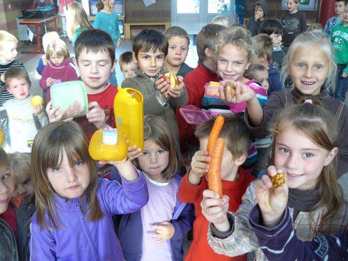 """A l'occasion de la Journée Pomme de la campagne """"Effet de Jeunes contre Effet de Serre"""" nous tournons un film en classe."""
