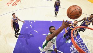Jaylen Brown s'occupe des Lakers en signant 40 points à 17/20 aux tirs