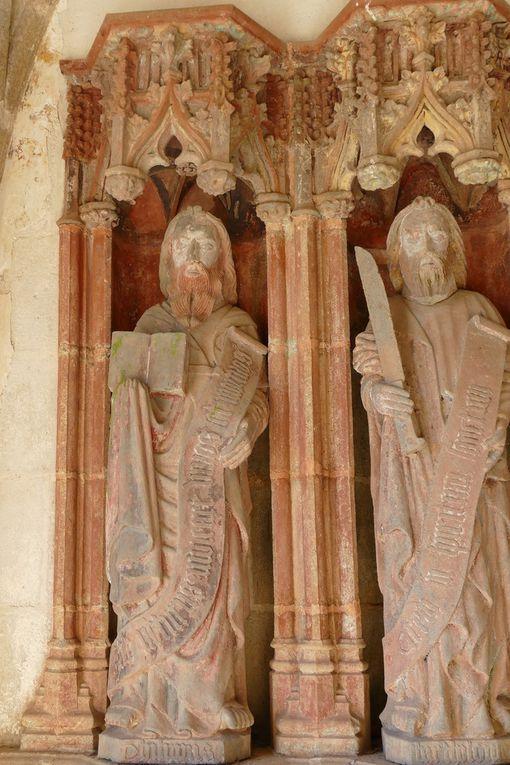 Diaporama : les six apôtres du coté ouest. Porche sud de la chapelle Saint-Herbot en Plonévez-du-Faou. Photographie lavieb-aile mars 2017.