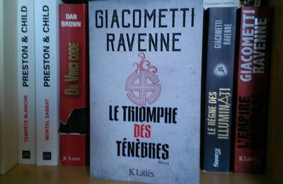 LE TRIOMPHE DES TENEBRES de Giacometti et Ravenne aux éditions JC. Lattès
