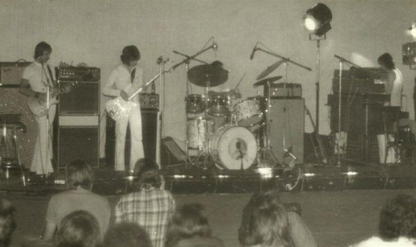 crucifer, un seul et unique album en 1973 pour ce groupe strasbourgeois et qui ne sort réellement qu'en 2017 par l'entremise du label CAMELEON RECORDS