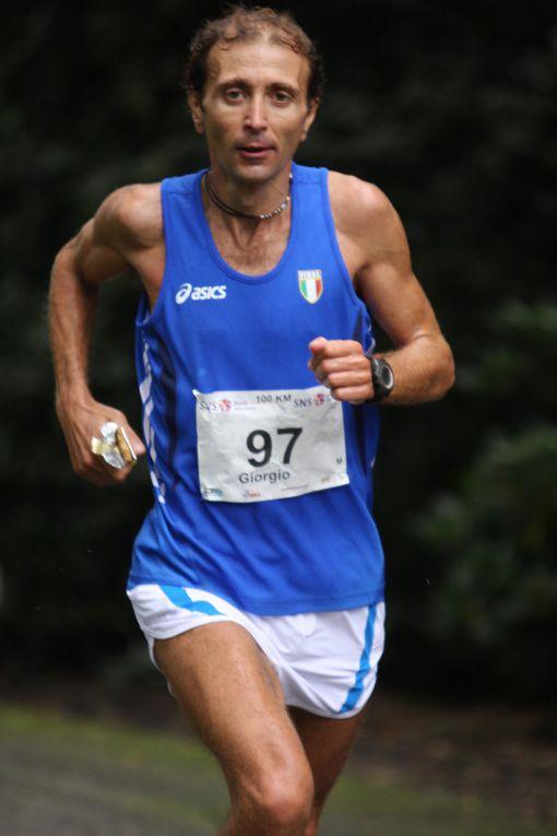 Giorgio Calcaterra al Campionato del Mondo IAU 100 km a Winschoten, Olanda, 2011 (Foto di Maurizio Crispi)