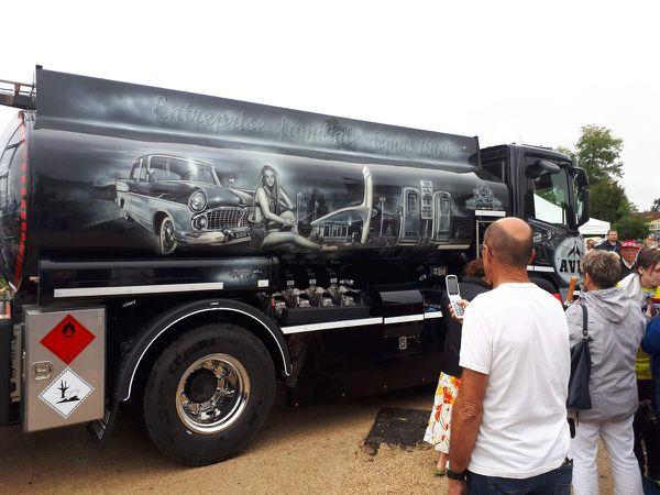 Camion citerne décoré, primé aux 24H Camions 2019