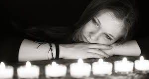 On dit l'Amour au lit ne partage pas avec les amis (es) s'il y-a un foyer stable. Tout n'est pas permis entre ami et amie