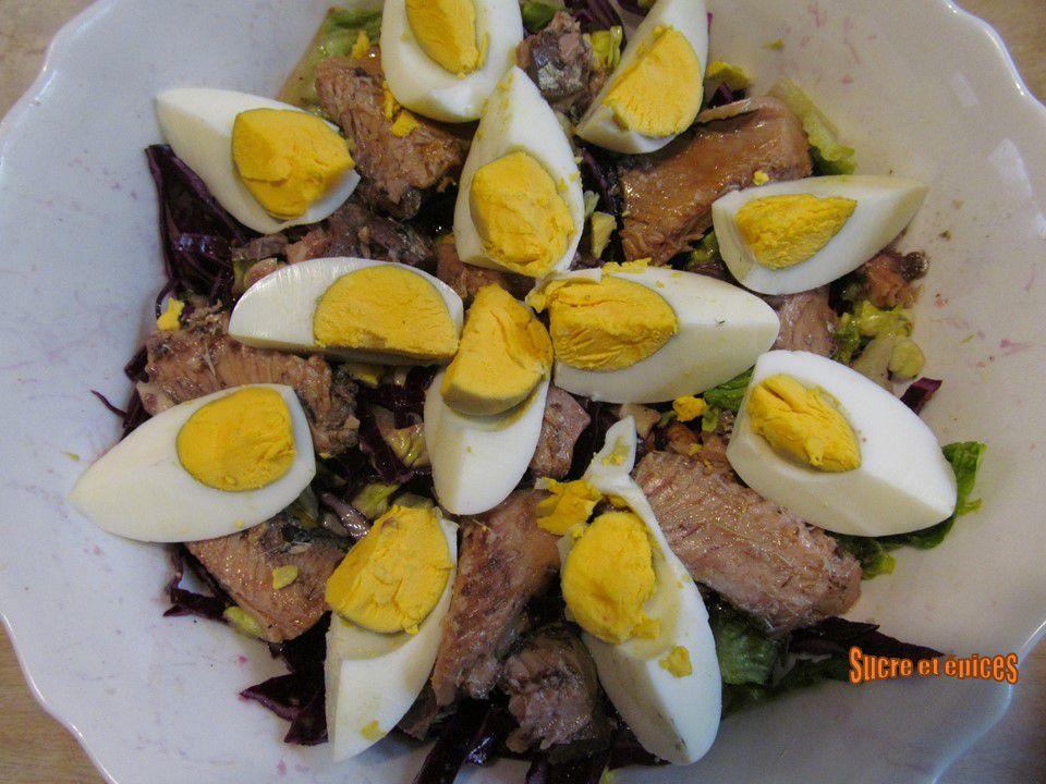 Salade de chou rouge aux sardines et oeufs - Recette en vidéo