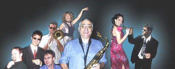 La fete orchestree par le groupe musical De Michel Une excellente soiree Le Pelerin
