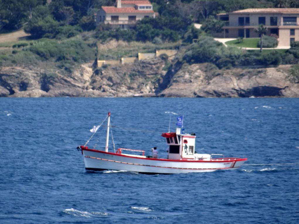 GALOUBET , navire d'un club de plongé en baie de Sanary sur Mer le 12 juin 2018