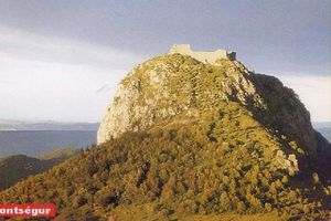 LES CATHARES (1)
