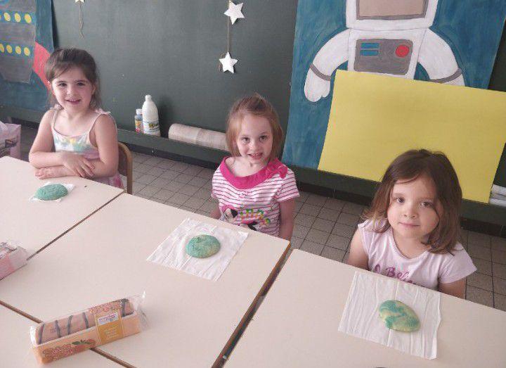 """Camus-Mat-Groupe 4-   Manon + activités """"cookies Terre"""" et """"la galaxie"""""""