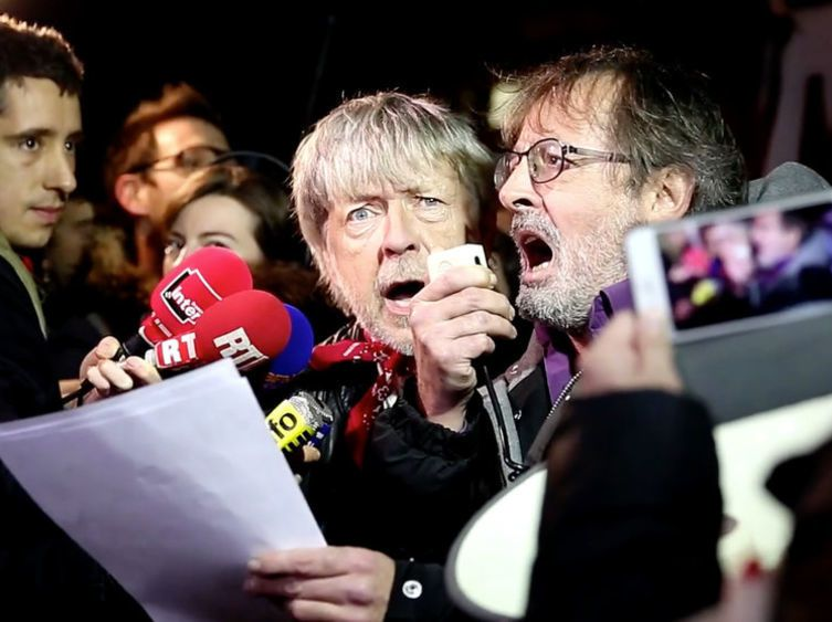 Renaud : Toujours debout