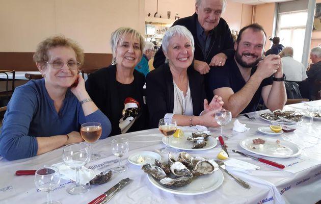 Samedi 21 décembre 2019 au cercle de l'Audacieuse Notre Dame du Mas, présidée par Jean-Paul Largeron, pour partager quelques huitres et un peu de charcuterie. (2 photos)