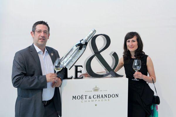 Eric Zwiebel (Royaume Uni) et Julie Dupouy (Irlande), seront présents à Mendoza en avril 2016 et pourront espérer voir leur nom gravé sur le jéroboam en argent qui symbolise le titre mondial.  © Jean Bernard