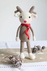 Le renne Louen, doudou à crocheter.