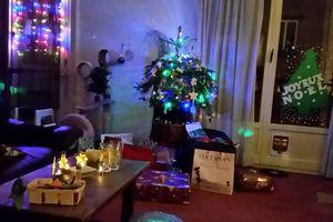 Joyeux Noël  Paix sur terre aux hommes de bonne volonté  (à Boulogne-Billancourt, France)