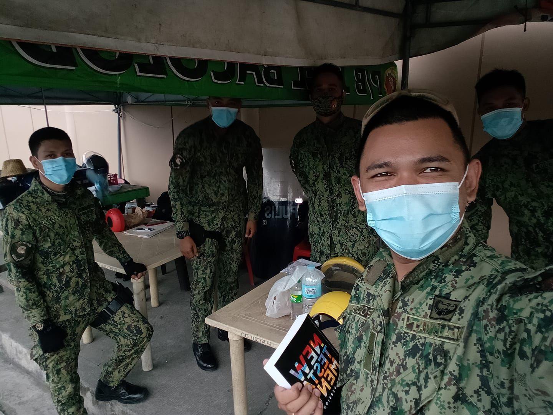 MG Maliwat, policier et évangéliste aime prêcher l'Evangile et par dessus-tout avec ses collègues... (photo : Facebook/ MG Maliwat)