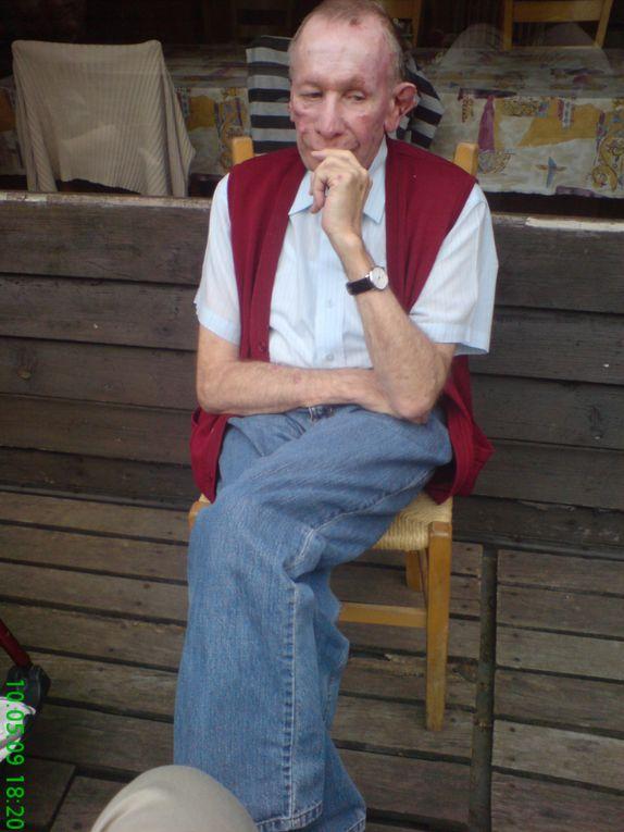 quelques photos du camp de mai 2009, pour quelques résidants de Marly, au Bosco della Bella, au Tessin