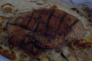 Magret de canard au vinaigre de framboises