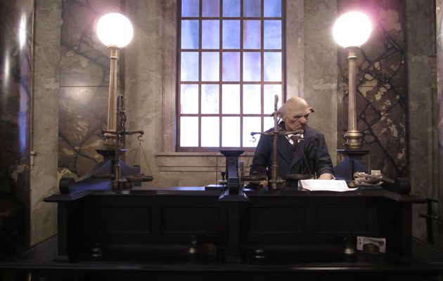 The escape from Gringotts ! : The Wizarding World of Harry Potter