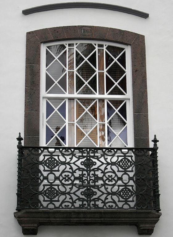 Capitale de l'ile de La Palma, aux Canaries, cette ville vaut la peine de s'y attarder et de s'y promener longuement.